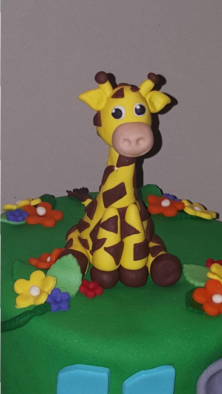 Handgeboetseerde giraf